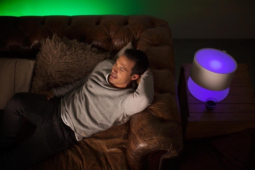 Un kit de démarrage 3 ampoules Philips Hue White and Color et + pont de connexion à 78,90 €